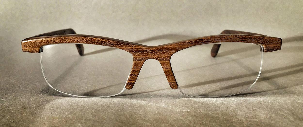 Houten bril Kees Wennekendonk